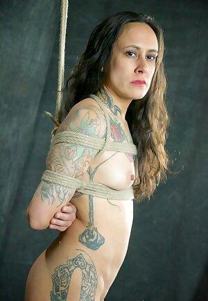 Tattooed MILF Elise Graves