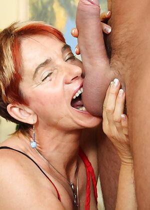 Kinky old slut sucking big cock