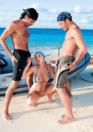 Classic MILF pornstar Diana Gold enjoys hardcore sex at the nude beach