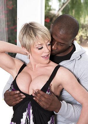 Short hair mom Dee Williams fucks strong black man