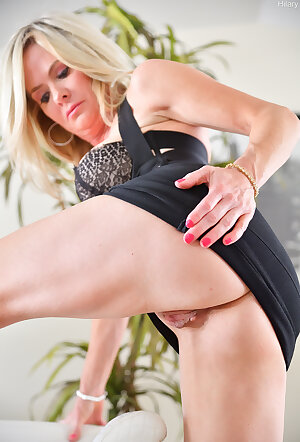 Elegant and sensual lady shows her tender pussy