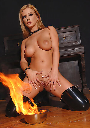 Fiery hot fetish MILF babe