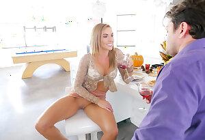 Skinny wife fucks her husband\'s friend on Thanksgiving
