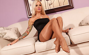 Canadian MILFy Helly Hellfire shows her sexy  pantyhose feet