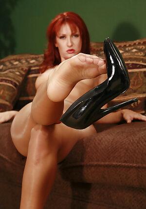 Iranian redhead model Nakita Kash in pantyhose
