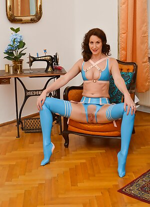 Hot Brit MILF tease us with her blue latex lingerie