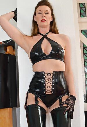 Hot UK Lara fucks in black latex