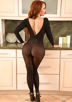 Big ass redhead MILF Janet Mason wearing pantyhose and high heels getting cum on pussy