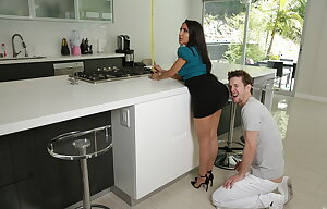 Curvy stepmom Lela Star enjoying her adopted son\'s big cock and eating his cum