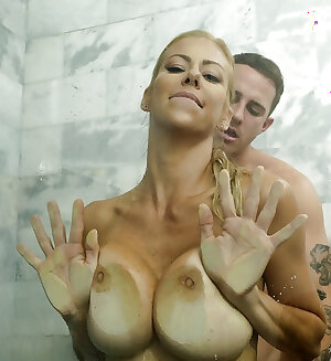 Fit blonde cougar with sexy body Alexis Fawx severe fucked by younger hunk in shower