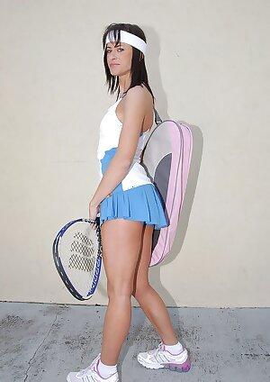 Tennis MILF in sport miniskirt reveals a sweet booty hidden under it