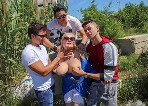 Musa Libertina taking on three strapping young lads