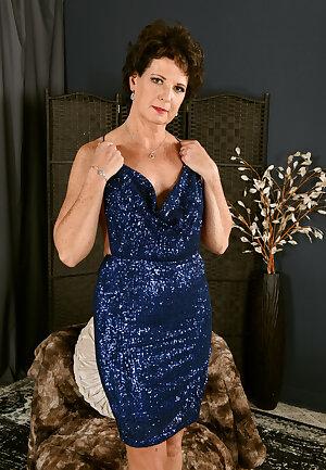 Elegant lady Beth Mckenna