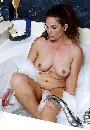 Mature wife Katina Sobar in bubble bath