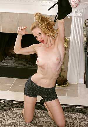 Sexy wife workout