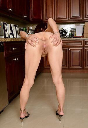 Slender horny housewife Stella Banks
