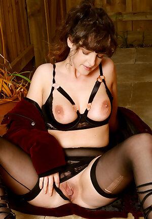 Glamour Kate Anne
