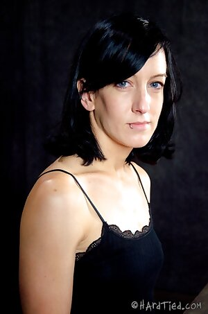 Ravaged Elise Graves - HotMilfPics.net
